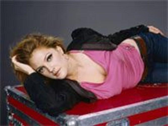 Rock-bohem stilin şık sentezi: Drew Barrymore